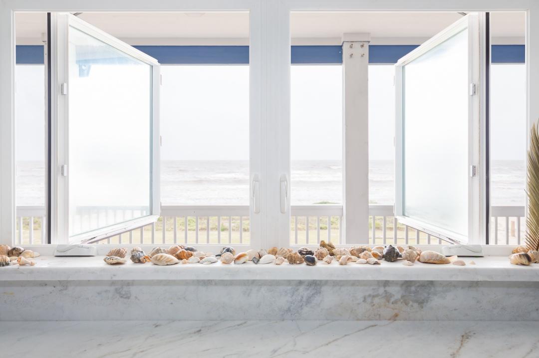crystal beach vacation rental kitchen